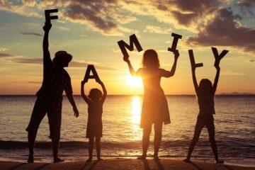 Eridanoschool - Shop - Tema Natale della Famiglia